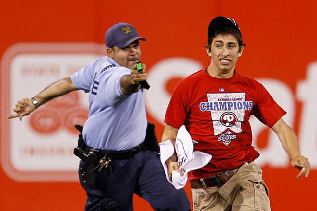 0504-phillies-fan-taser_full_600_crop_650