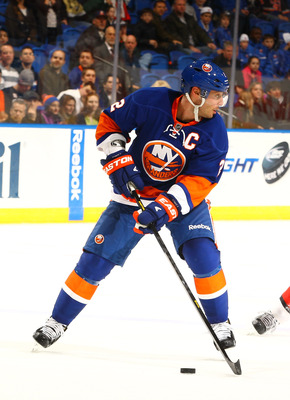 Things have hit the skids for the Islanders and Mark Streit is slumping.