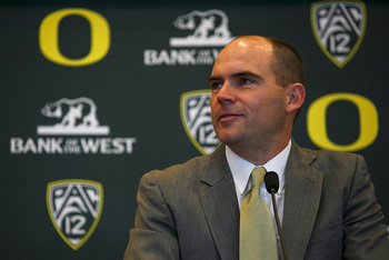 http://uwire.com/2013/01/20/oregon-football-players-back-mark-helfrich-hire/