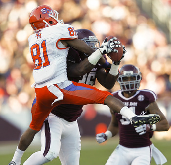 Donnie Baggs snags an interception against SHSU