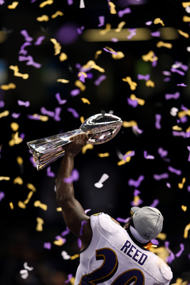If Ed Reed winds up on the Patriots, he could hoist another Super Bowl trophy at the season's end.