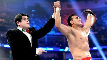Alberto Del Rio successfully retains his World Heavyweight Championship. (Courtesy of WWE.com)