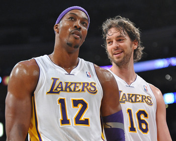 Dwight Howard (L), Pau Gasol (R)