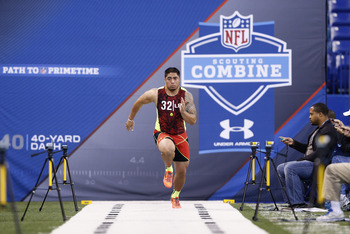 INDIANAPOLIS, IN - FEBRUARY 25: Manti Te'o of Notre Dame runs the 40-yard dash during the 2013 NFL Combine at Lucas Oil Stadium on February 25, 2013 in Indianapolis, Indiana. (Photo by Joe Robbins/Getty Images)
