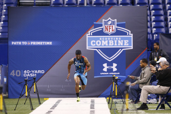 West Virginia wide receiver, Tavon Austin, Runs his 4.34 40-yard dash