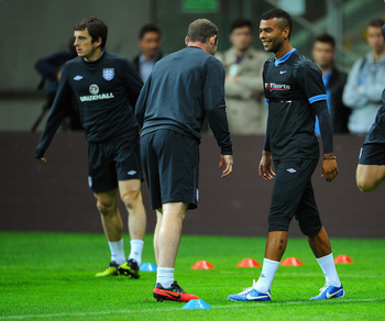 Could Leighton Baines and Ashley Cole soon be Chelsea teammates?
