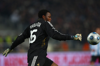 Mandanda has looked short of confidence for OM this season
