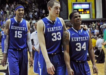 Willie Cauley-Stein (15), Kyle Wiltjer (33) and Julius Mays (34).