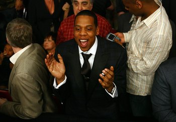 Jay-Z attends Mayweather vs. Judah