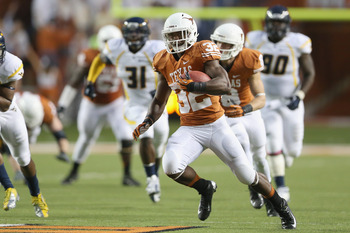 Johnathan Gray is a key player that should benefit from Texas' quick-hitting attack.
