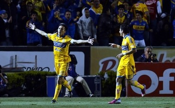 Lucas Lobos put Tigres ahead with a free kick. Photo: Mexsport