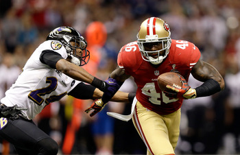 Delanie Walker combined with Vernon Davis to give the 49ers two good tight ends to enhance the passing game.