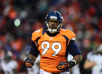 Kevin Vickerson played an important role in the Broncos defense a year ago.