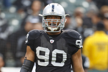 A recent arrest should not deter the Raiders from signing Desmond Bryant before the deadline.