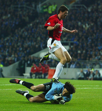 Roy Keane shows his footwork