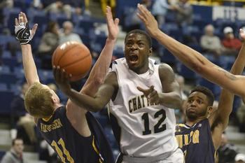 Chattanooga guard Gee McGhee/Photo Billy Weeks Chattanooga Times Free Press