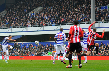 Andros Townsend lets fly to give QPR a 2-1 lead over Sunderland.