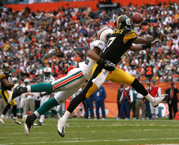 Mike Wallace won't be catching passes against Miami any longer.