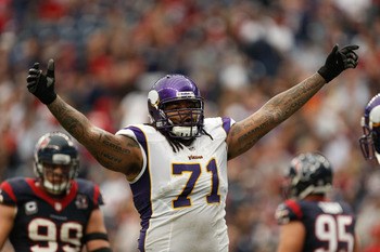 The Vikings want Phil Loadholt back badly and will do what it takes to keep him with the team.
