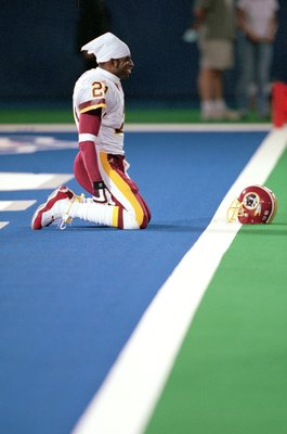 10 Sep 2000:  Deion Sanders #21 of the Washington Redskins gets ready for action before the game against the Detroit Lions at the Silverdome in Pontiac, Michigan.  The Lions defeated the Redskins 15-10.Mandatory Credit: Tom Pidgeon  /Allsport