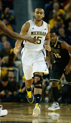 Jon Horford battled injuries once again to play a role on this year's Michigan team.