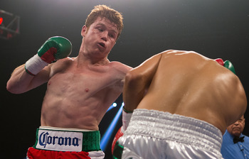 Saul Alvarez punishes Josesito Lopez for the knockout.