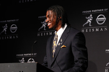 RGIII wins the Heisman Trophy.