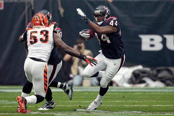 Thomas Howard brings veteran experience to the young linebacker corps of the Bengals.