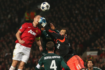 Nemanja Vidic Leaps High vs. Real Madrid