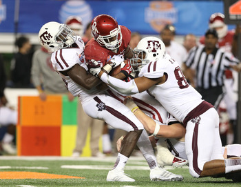 Alonzo Williams makes a tackle in the Cotton Bowl