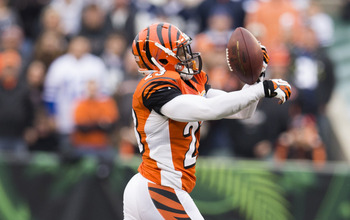 Veteran cornerback Terence Newman will decide between the Bengals and the Raiders.