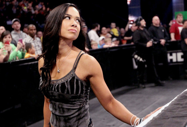 Ajlee-smackdownringside_crop_650x440
