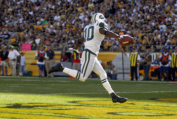 Santonio Holmes in the open field against the Pittsburgh Steelers