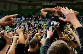Stevie Taylor celebrates his game-winning three. (via OhioBobcats.com)