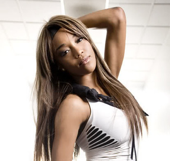 Enjoy a picture of the beautiful Alicia Fox! (from community.livejournal.com)