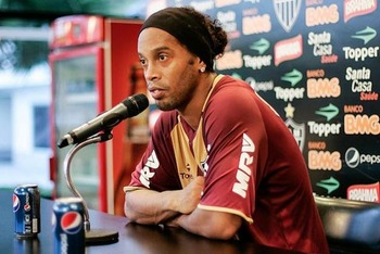 Ronaldinho_1545754a_display_image