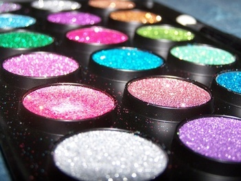 Cheerleadersloveglitter_display_image