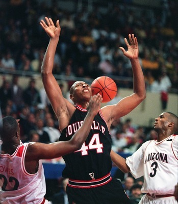 Ray Owes, Khalid Reeves and Arizona stymied Louisville All-American Clifford Rozier