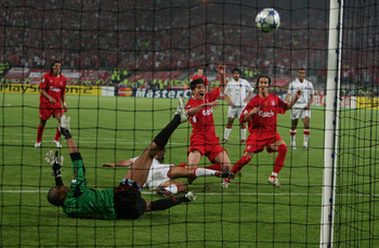 Alonso nets in the 2005 UEFA Champions League Final.