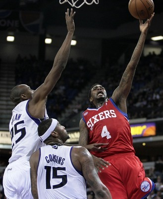 Dorell Wright (right) led the 76ers with 22 points off the bench in their road win over the Kings.