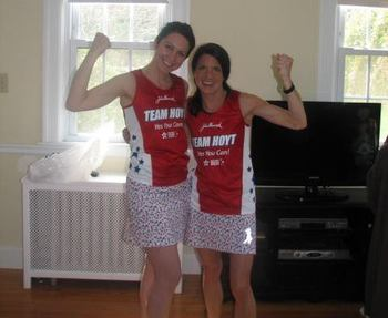 Jennifer Famiglietti, left, with fellow Team Hoyt runner and her sister, Chris Samaras