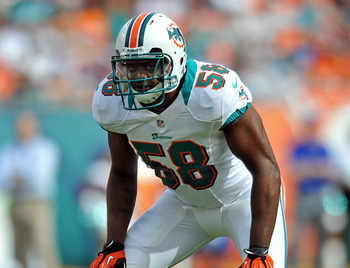 Karlos Dansby was one of the best inside linebackers last season, but has yet to be taken seriously in free agency.