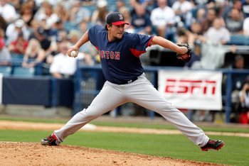 Hanrahan is latest candidate to fill Papelbon's shoes.