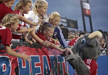 Fans greet new FC Dallas' signing.