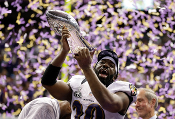 NEW ORLEANS, LA - FEBRUARY 03:  Ed Reed #20 of the Baltimore Ravens celebrates with the VInce Lombardi trophy after the Ravens won 34-31 against the San Francisco 49ers during Super Bowl XLVII at the Mercedes-Benz Superdome on February 3, 2013 in New Orle