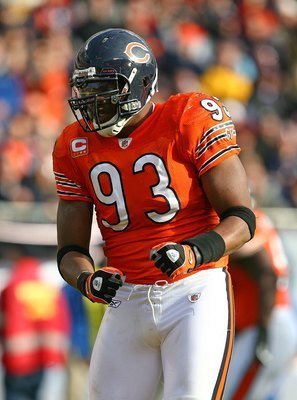 Ogunleye signed with the Bears in 2005 for six years and $33.4 million. He pressured many quarterbacks in his time in Chicago.