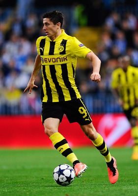 Robert Lewandowski could be lured to Chelsea this summer.