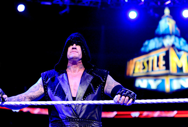 Undertakerhoodwrestlemania_crop_650x440