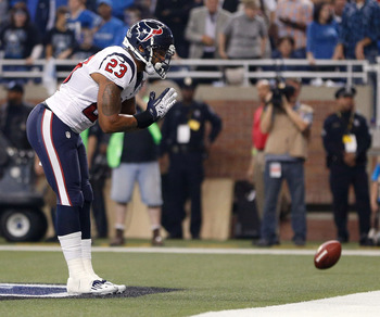 Arian Foster takes a bow after finding the end zone.
