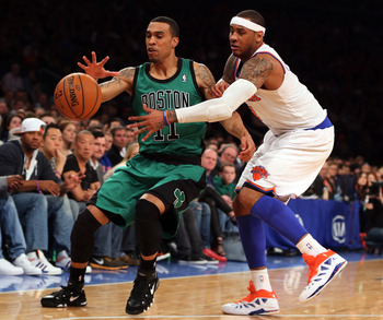 Courtney Lee getting defended by New York's Carmelo Anthony.